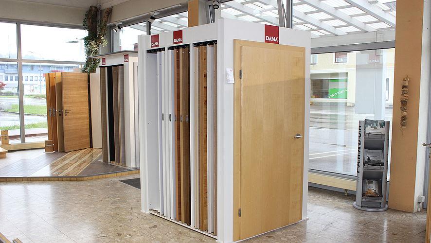 Türenausstellung  Holzfachmarkt Harg: Türen